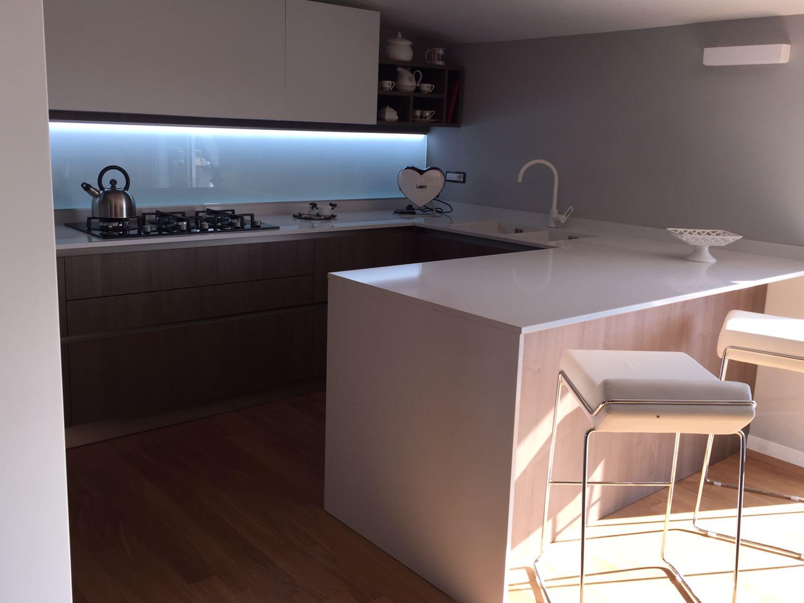 Cucina Compatta Veneta Cucine.Una Veneta Cucine Oyster Pro Per La Calda Casa Di Laura E Arturo