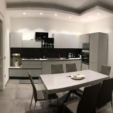 Il colore bianco nella cucina di Francesco